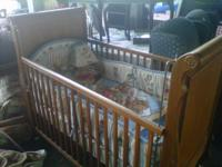 COMPLETE CRIB SET WITH ALL BEDDING, MATRESS & LAMP.