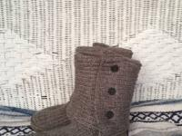Warm, incredibly and relaxing comfy gray crocheted/knit