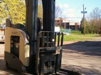 Crown RD5220 30 Deep Reach Truck, 210 lift with side
