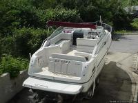 This 1999 Crownline cuddy cabin / cruiser CR290 has a