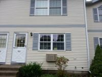 Remodeled and updated condo close to Uconn with easy