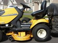 Cub Cadet i1046 Zero Turn Lawn Tractor with