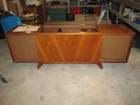 Console Stereo - Curtis Mathes - some water damage on