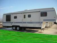 For sale. Luxury 1995 33? Travel Supreme 5th wheel with