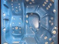Type:pool/ spaHoney Spas custom builds hot tubs and