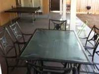 Custom Foe Finished 6 person Patio Table, excellent