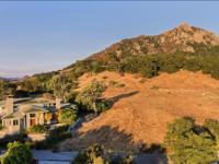 Located in the very desirable Ferrini Heights