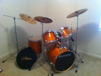 5 -- Piece set Drums: Base, Snare, Double Toms, and