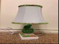 This is a new and never used cute bird lamp. Call with