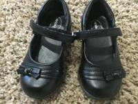 Cute well kept condition stride rite shoes for girls