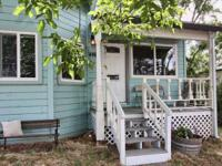 Cute two bed/two bath in the heart of Jackson! Walk to