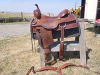 Lightly used Cutting Saddle. Includes breast collar &