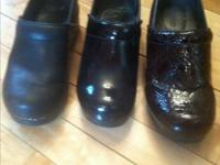 2 pairs of Dansko shoes size 39 or size 81/2 in US.