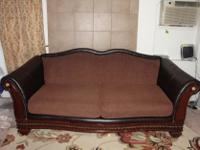 Type:Living RoomType:Sofasi am selling dark brown sofa