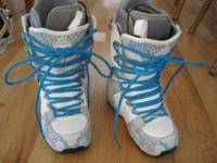 DC brand women's snowboard boots size 7.5. Like new