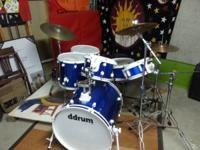 This is a used Ddrum diablo 5 peice drum kit with 1
