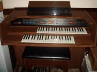 Description Nearly new Electronic organ in mint