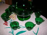 I am selling my forest green punch set made by Anchor