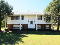 (DERBY) ABSOLUTE - 5-BR, 2-BA Home4439 S. Rock