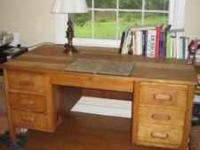 Beautiful pine wood desk. Very solid and big. Multiple
