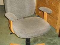 Desk chair, great condition. this price or best offer.