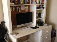Desk and hutch in excellent condition. Very leading