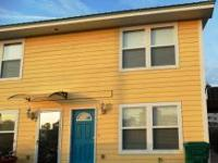 Canal front townhome on beautiful Holiday Isle!