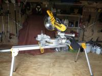 DeWalt miter saw (DW718). Comes with heavy duty miter