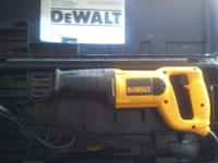 DeWalt 660 5amp Cut-Out Tool w/ kit - Great condition,