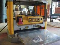 LIKE NEW DeWalt Plainer in excellent condition.