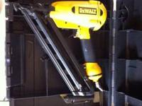 *NEW* DeWALT Heavy Duty 1-3/ HP Fixed Based Router