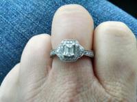 Gorgeous Helzberg Diamond Vintage Style Emerald Center