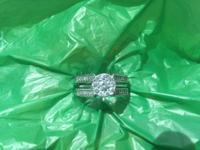 14 karat White Gold cluster Diamond ring ten round