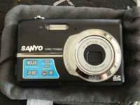 I am selling ym digital camera. It is in perfect