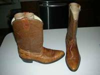 WORN ONCE ! DINGO LIGHT BROWN WESTERN MENS BOOTS SIZE