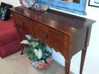 Beautiful dining room buffet & hutch with mahogany