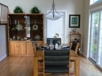 Solid Oak dining room set in excellent condition.   Set