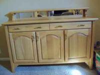 Handmade Oak Dining Room Buffet. In Excellet Condition.