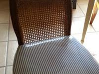 Selling Vintage Dining Table and 4 chairs. The 4 high