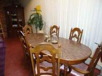 Dining room set with 6 chairs and the table also has 3