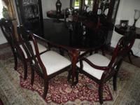 ////////////////////////Cherry Mahogony Dining Room set