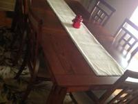 Dining room table and 6 chairs 2 years old, made use of