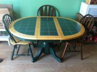 Home Elegance Dining Room Set. Table and chairs for