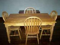 Dining table and 4 chairs for sale, excellent