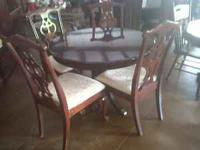 NICE DININGROOM TABLE AND CHAIRS FOR $125.00 COME SEE