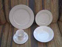 20 piece porcelain dinnerware set - 4 place settings
