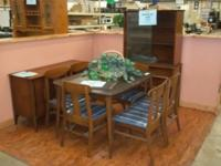 This is a very nice wood dinning room set. This