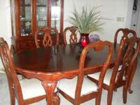 I HAVE A DINNING SET THAT I WHAT TO SELL ASKING 600 IF
