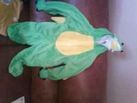 Size 2T little boys dinosaur costume.....size 2T...just