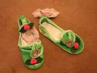 Disney Dress Up Shoes fits size 4-6X *Green with pink